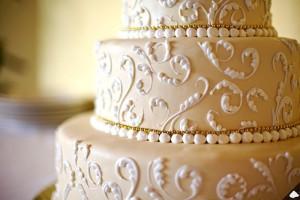 40-lace-wedding-cake-ideas-36